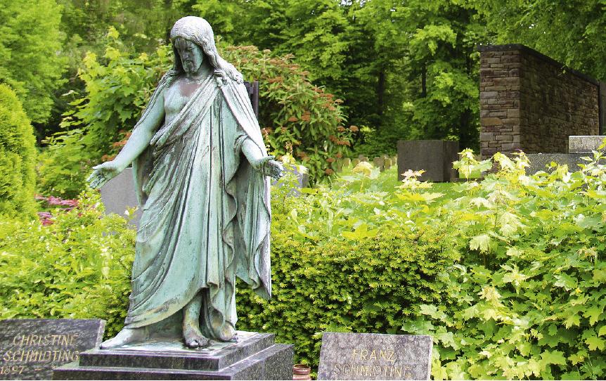 In Bad Münstereifel liegt einer der Friedhöfe mit günstigem Rasengrab