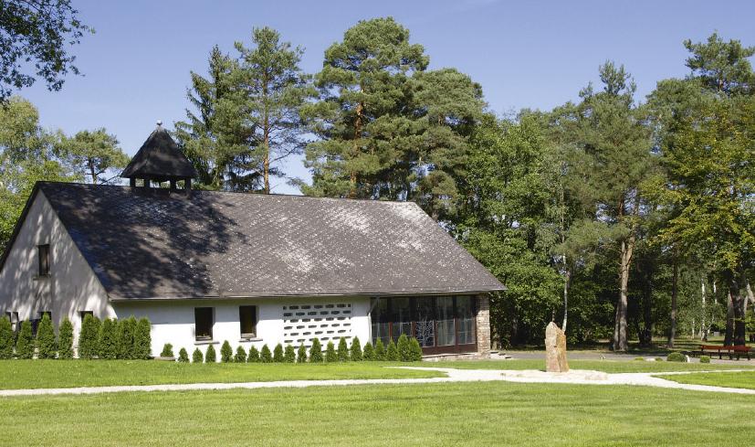 In Mittelreidenbach liegt einer der Friedhöfe mit günstigem Rasengrab